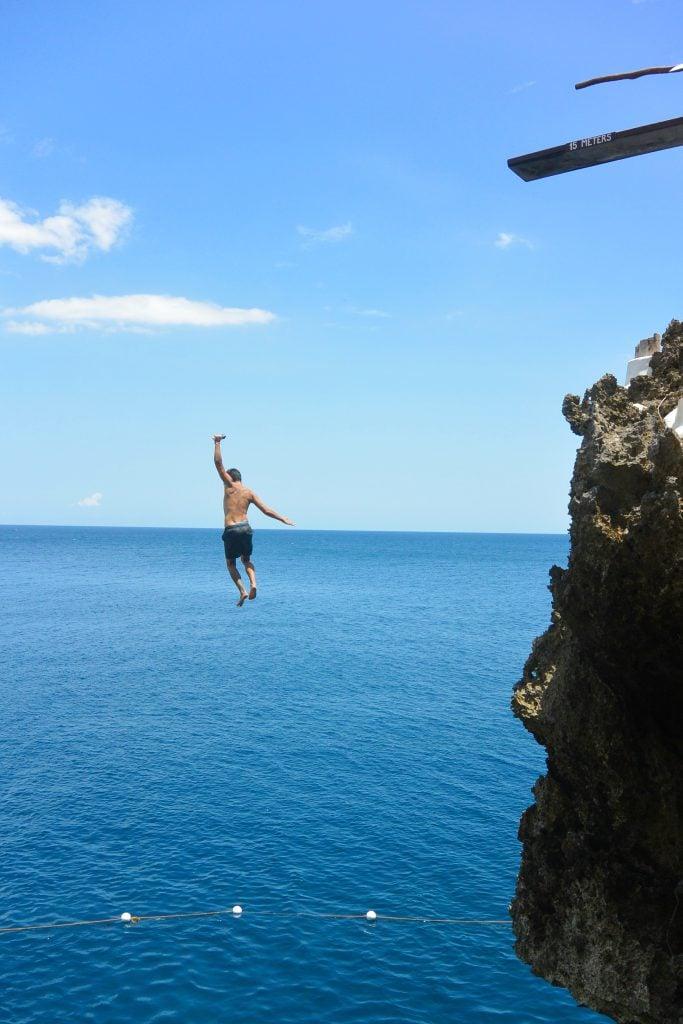 cliff jumping boracay