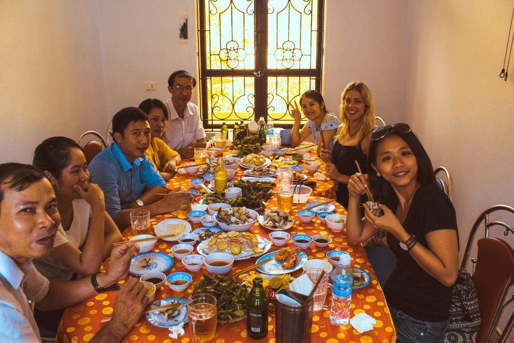 food in vietnam lunch