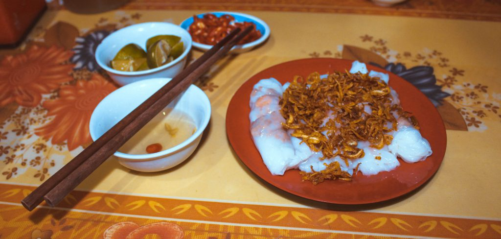 food in vietnam banh cuon