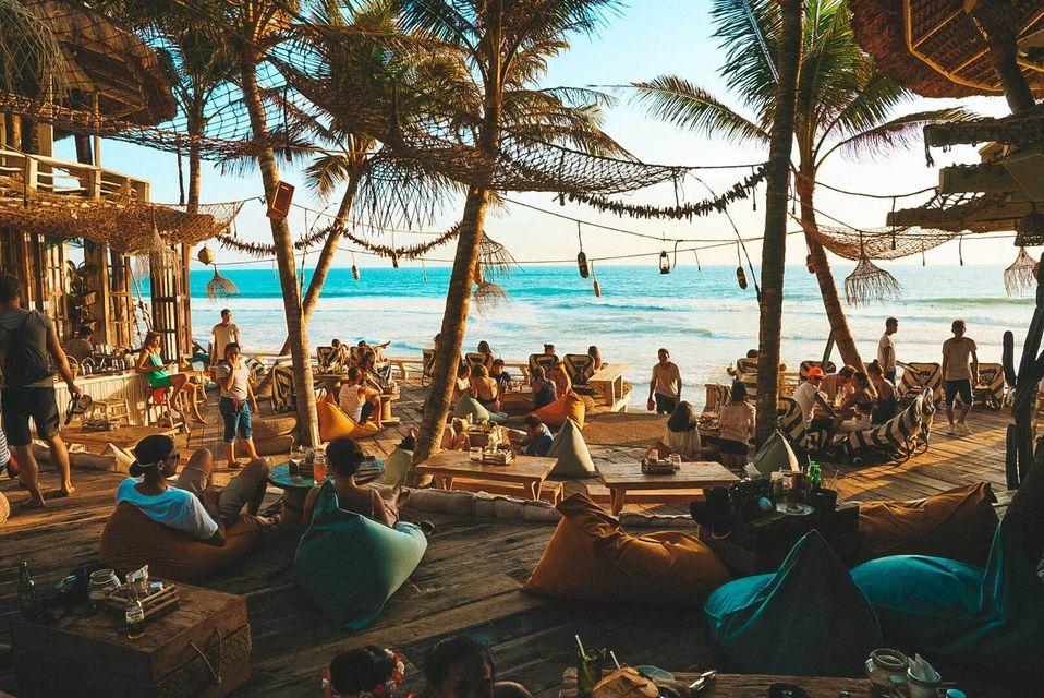 finns beach bali