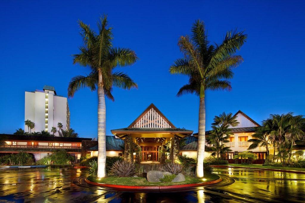 Romantic Getaways California; Honeymoon; Backpackers; California; spa vacations california