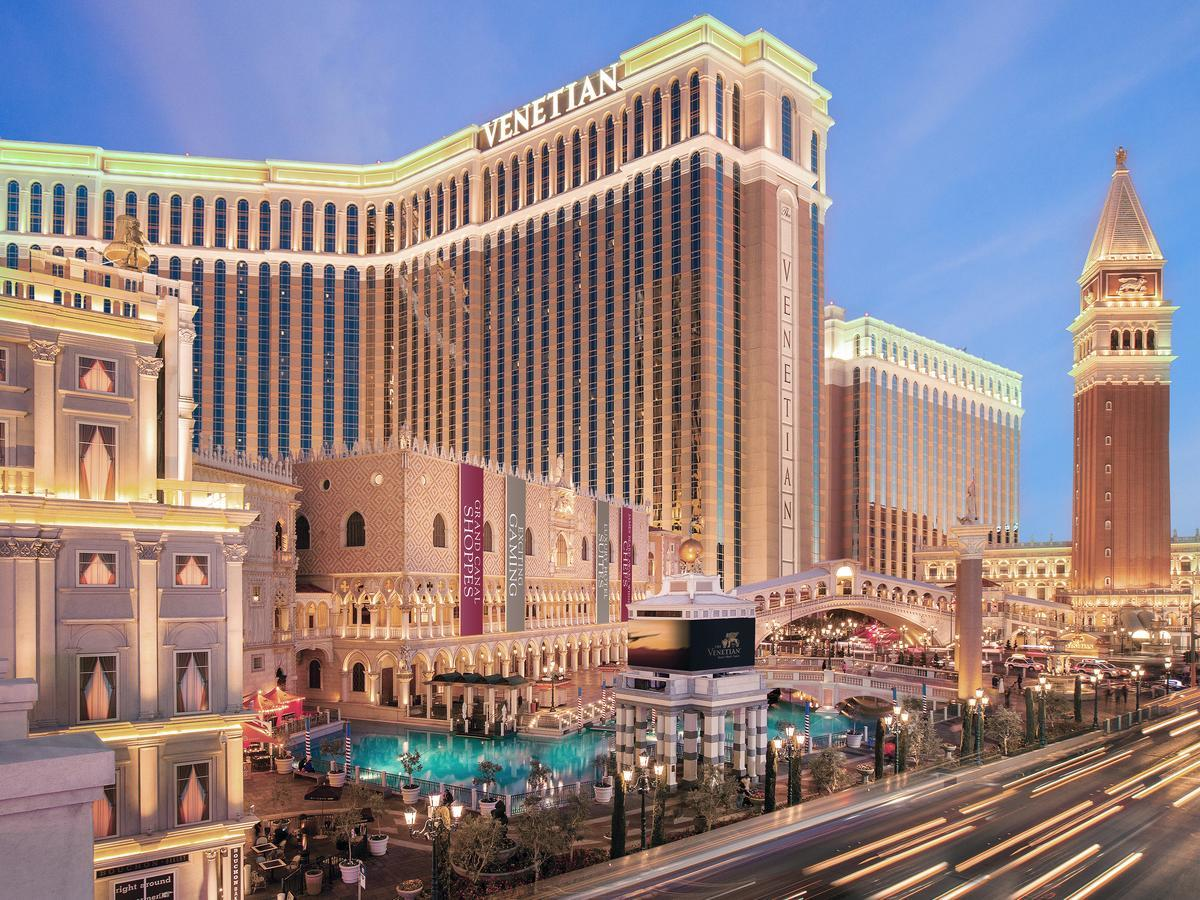 most luxurious hotels in las vegas