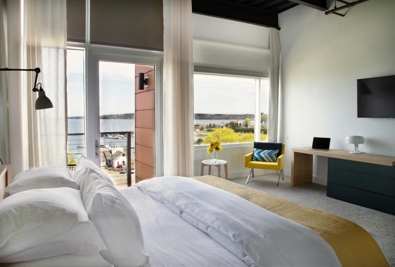honeymoon cabins in maine
